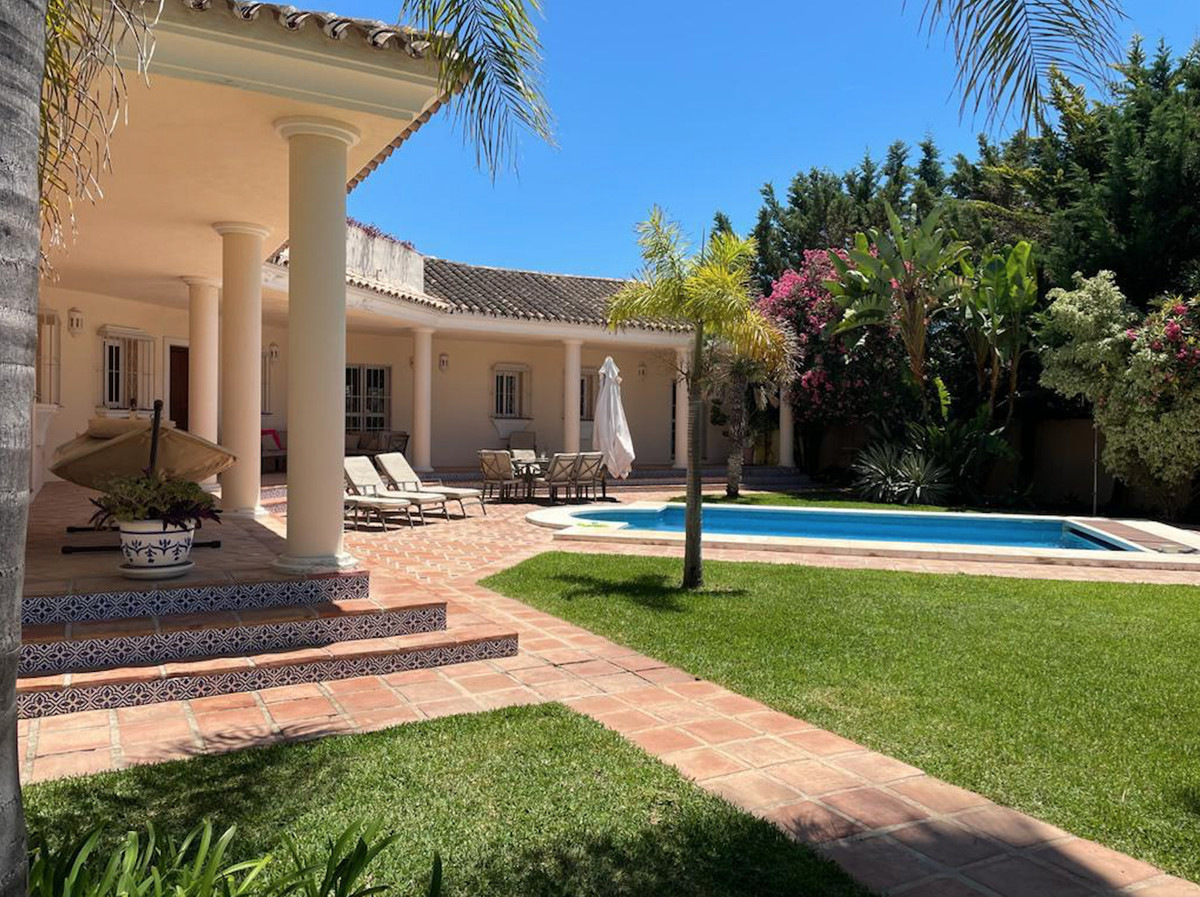 Villa  Individuelle en location  à Atalaya