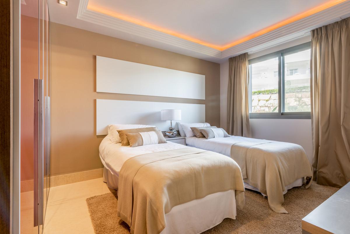 3 Bedroom Penthouse Apartment For Sale Benahavís