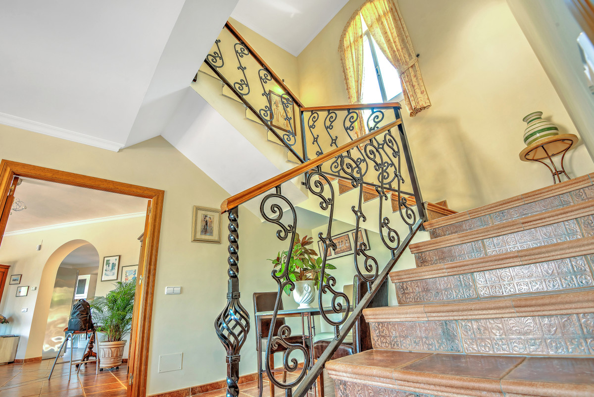 Villa con 5 Dormitorios en Venta Alhaurin Golf