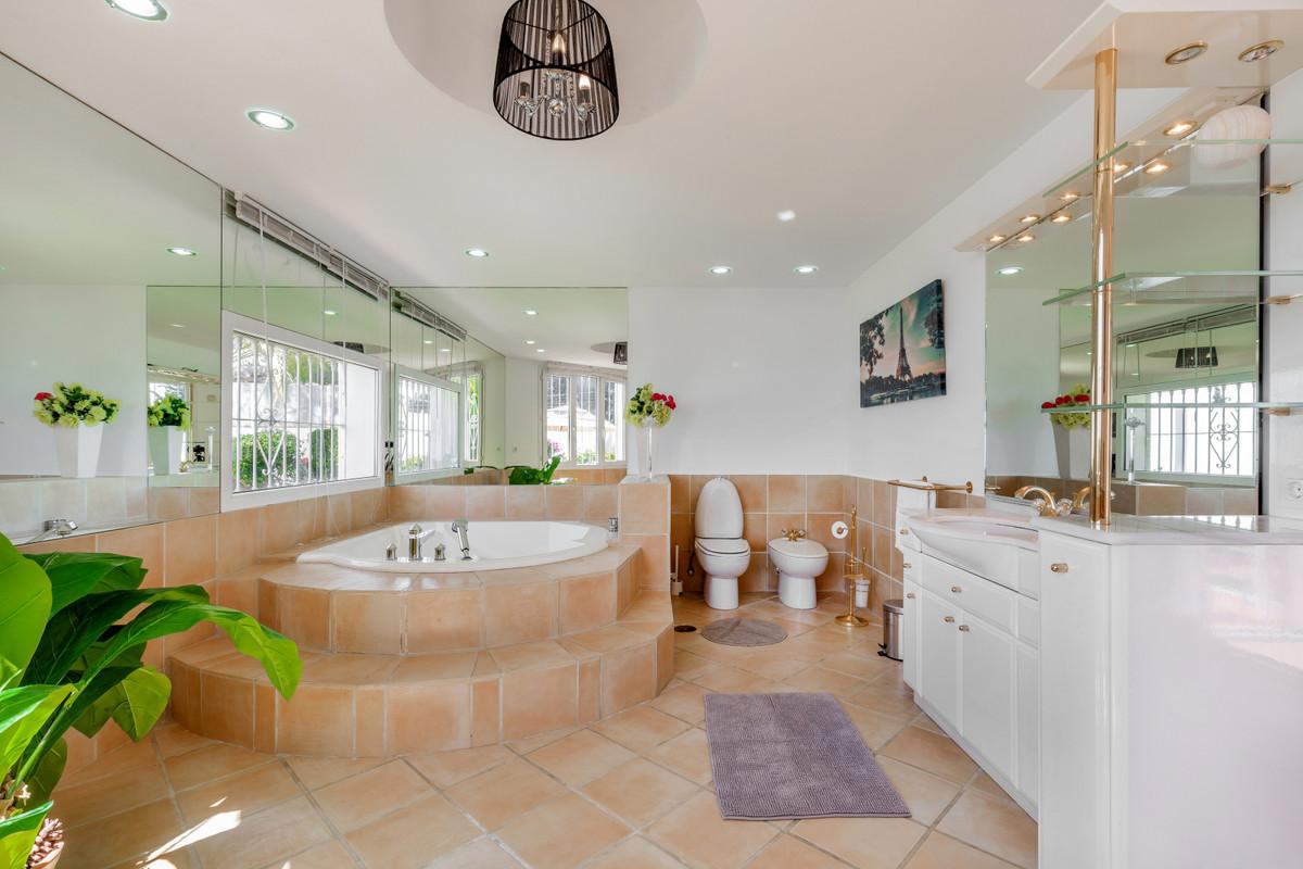 Villa con 4 Dormitorios en Venta Marbella