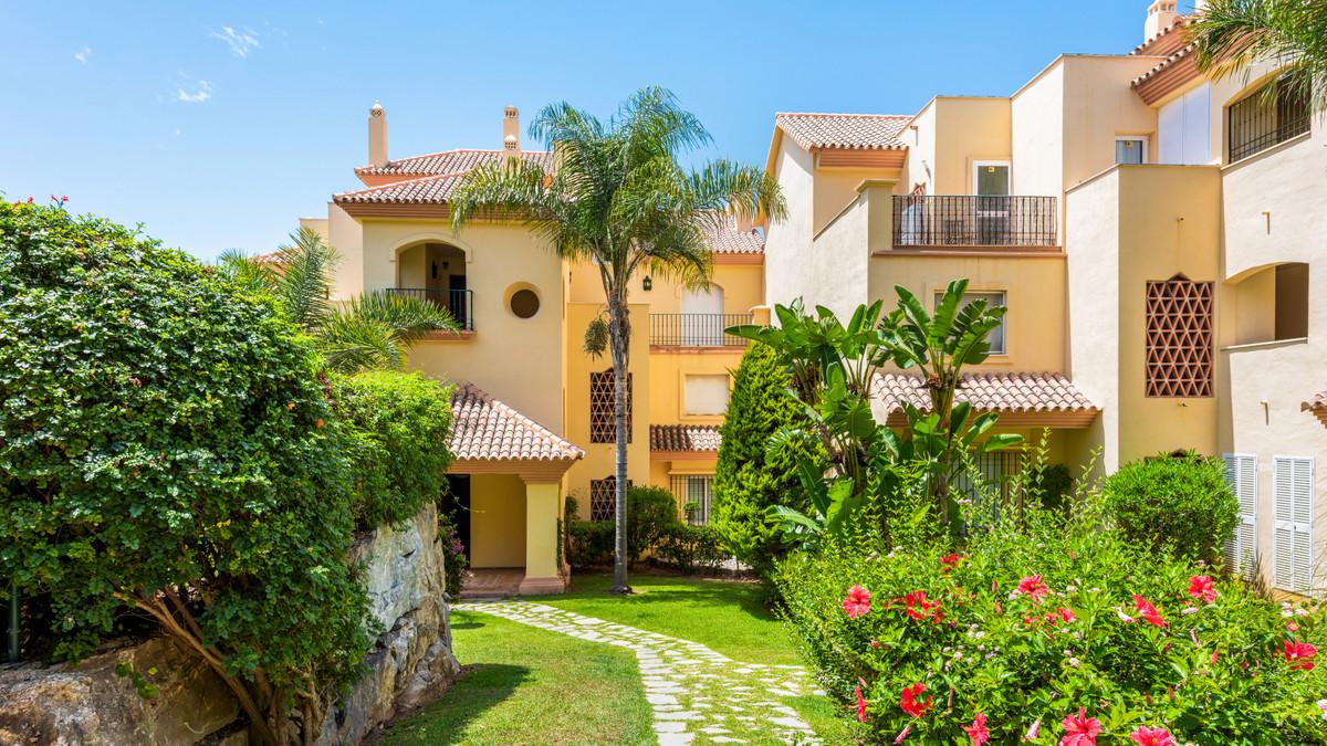 R3483502 Apartment Nueva Andalucía, Málaga, Costa del Sol