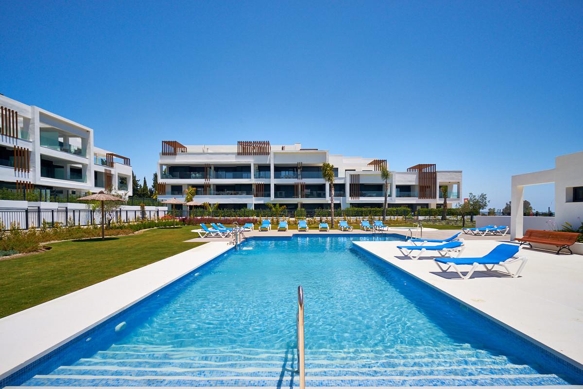 Apartments in Estepona R3468070