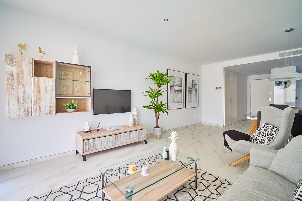 Apartment in Estepona R3468070 10