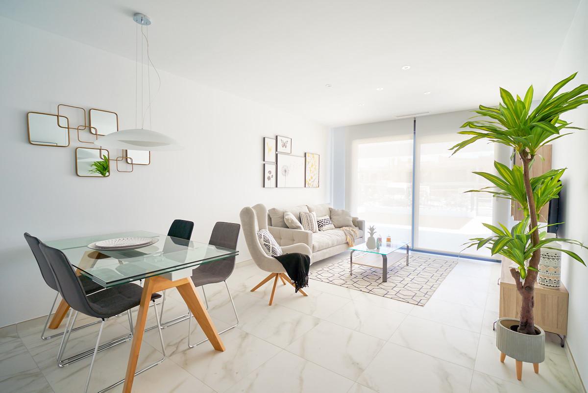 Apartment in Estepona R3468070 11