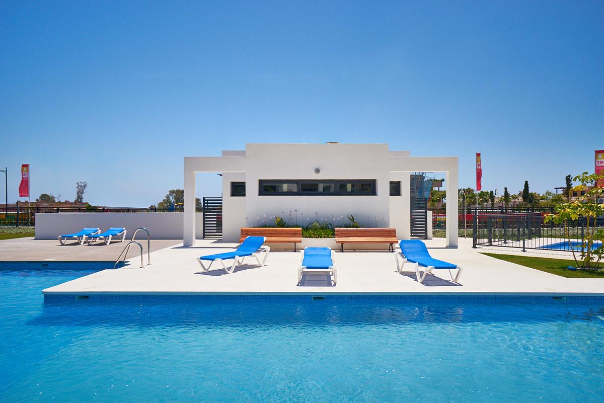Apartment in Estepona R3468070 6