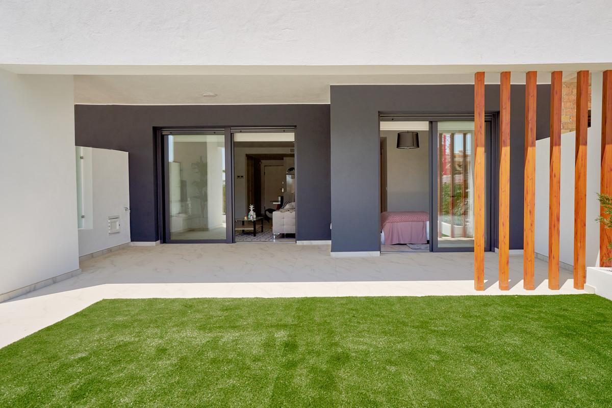 Apartment in Estepona R3468070 7