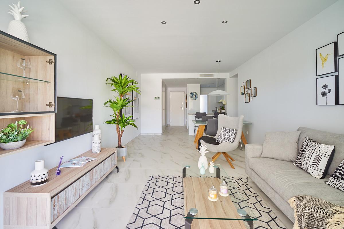 Apartment in Estepona R3468070 9