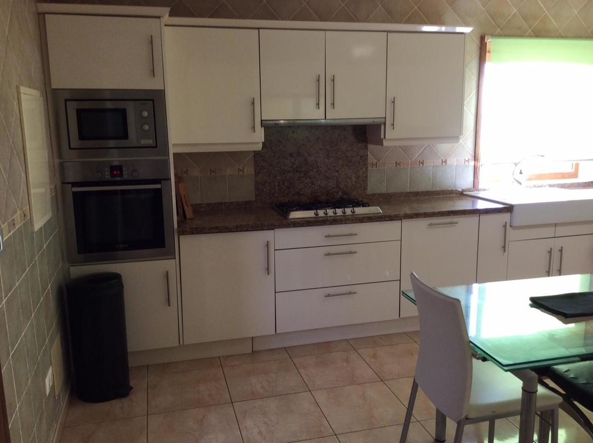House in Alhaurín el Grande R3719387 12