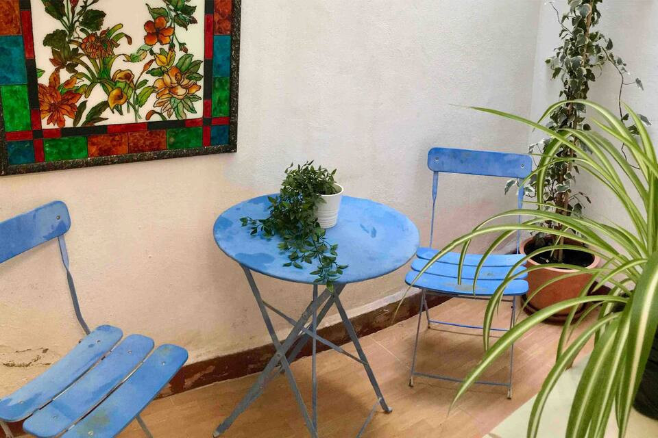 Apartment for sale with tourist license! The property is near the Guadalmedina River in the neighbor,Spain