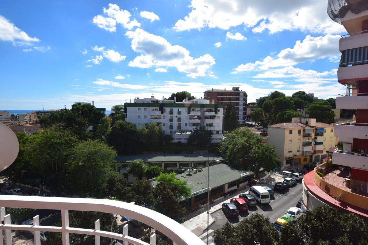 Lägenhet på mellanplan i Torremolinos R3276109