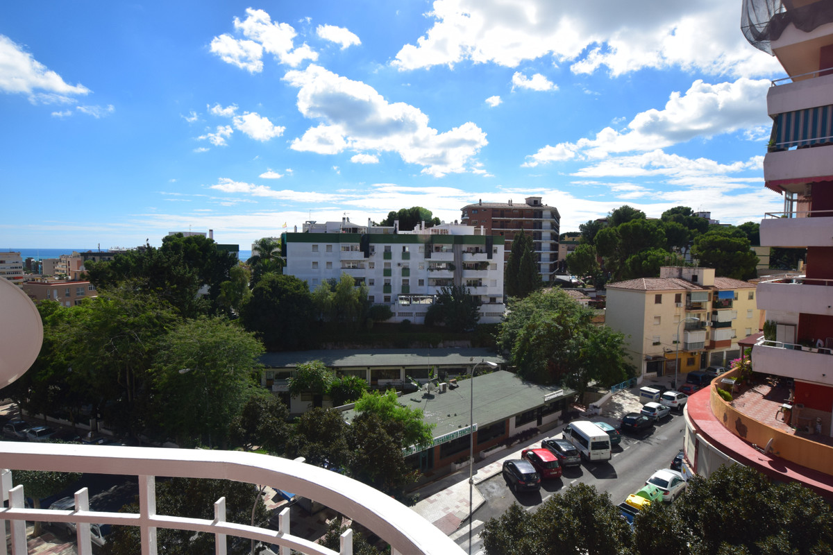 This Beautiful one bedroom apartment is located in the centre of Torremolinos on the 4th floor with ,Spain