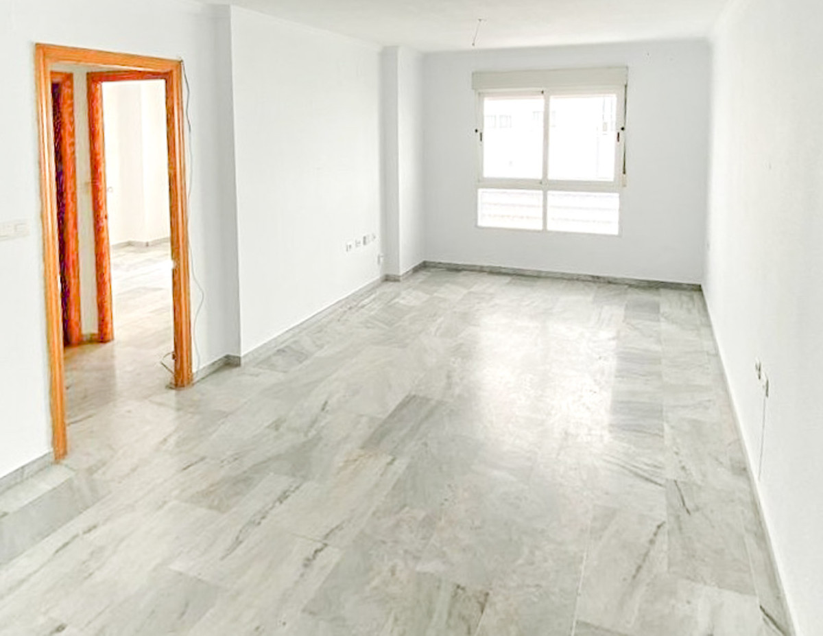 2 BEDROOM APARTMENT IN SAN PEDRO DE ALCANTARA, MARBELLA, MALAGA  The property is located in San Pedr,Spain
