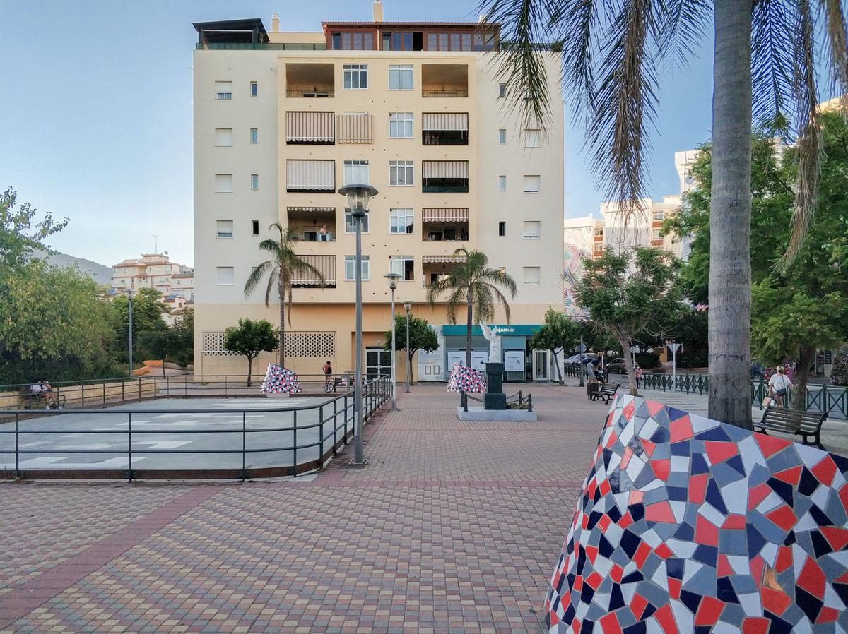Commercial Premises for sale in Estepona R3659612