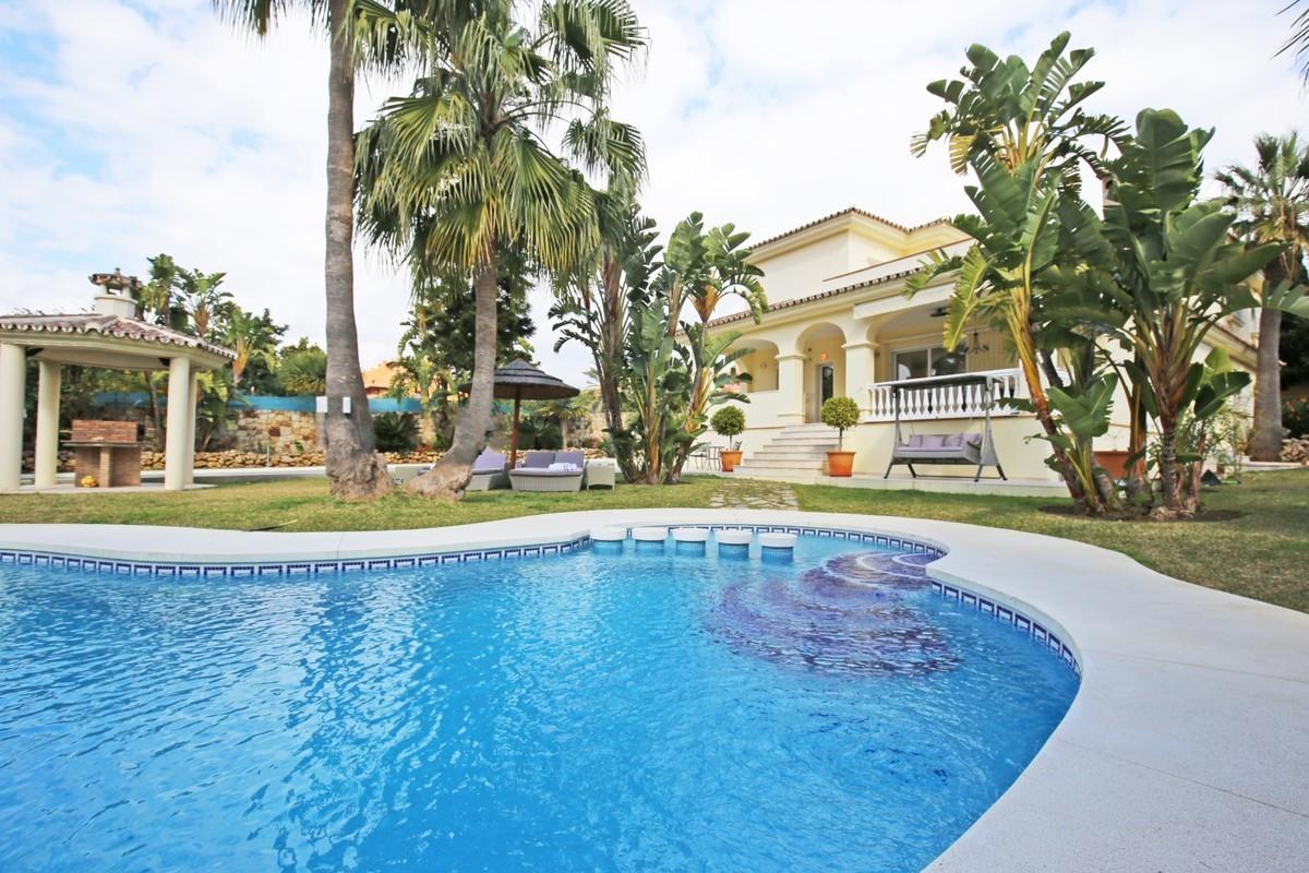 7 bedroom villa for sale new golden mile