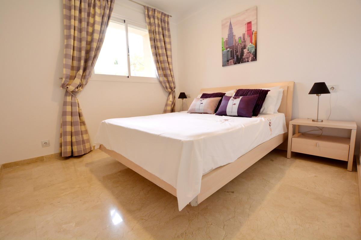 Unifamiliar con 5 Dormitorios en Venta La Duquesa