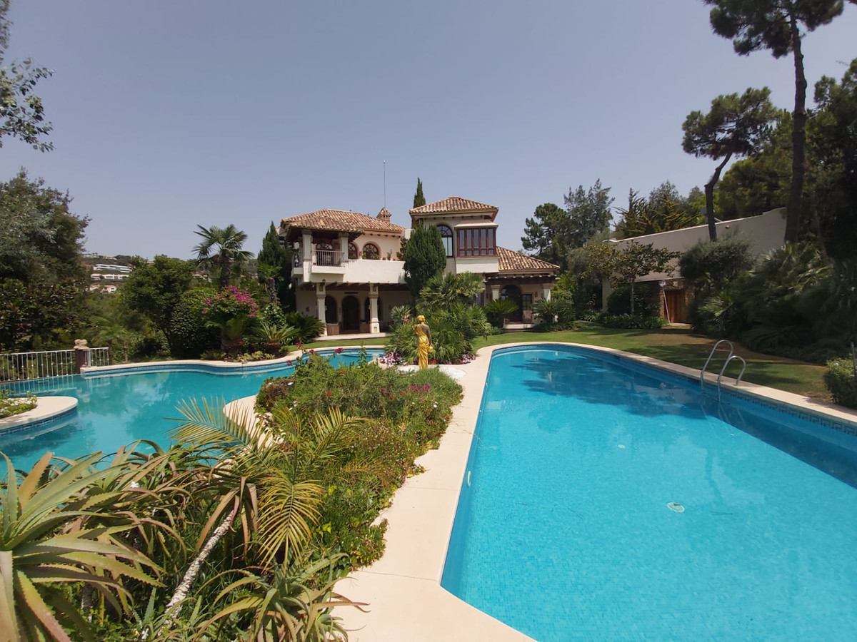 Vrijstaande Villa te koop in La Zagaleta R3909403
