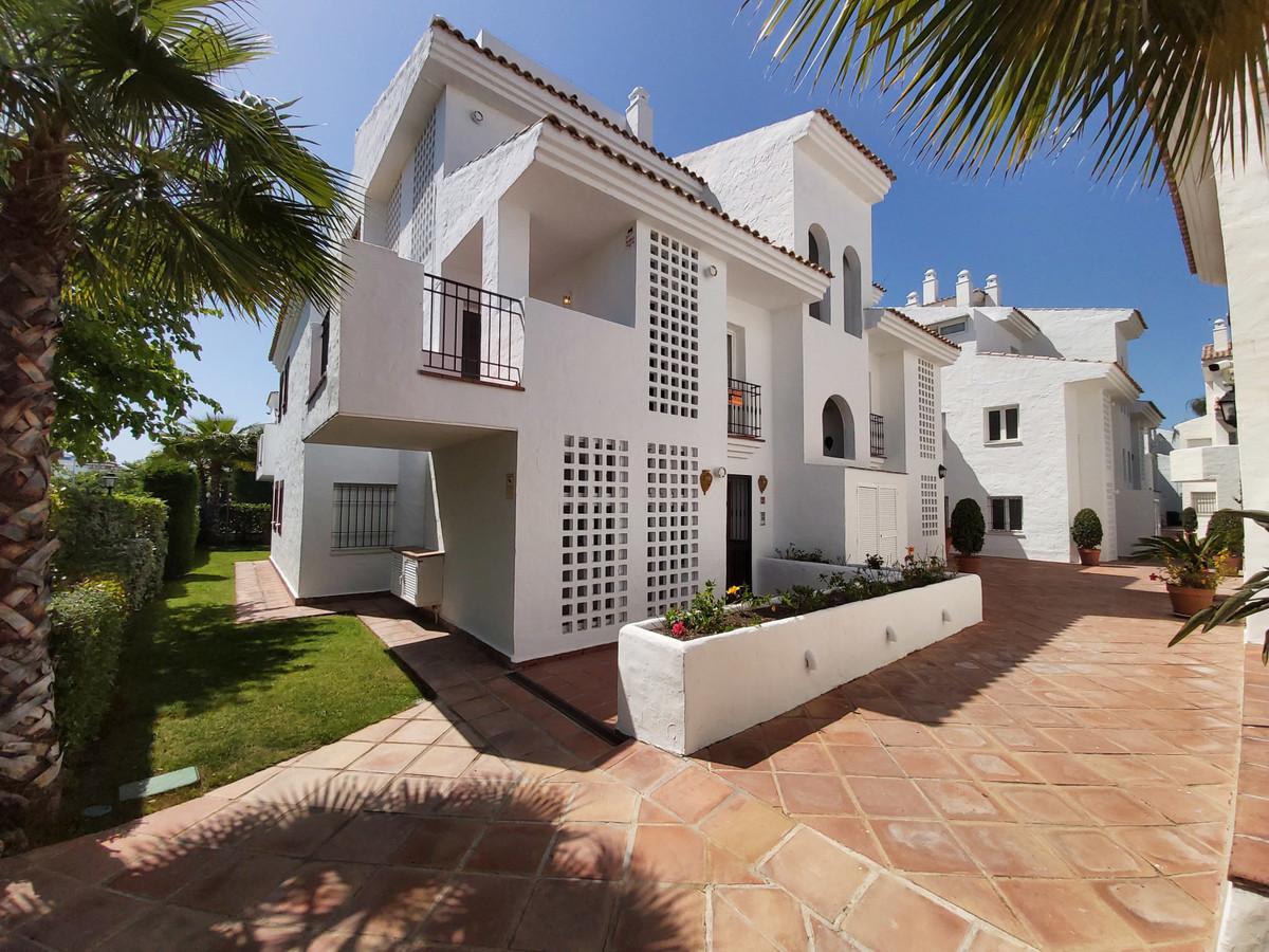 Mitte Stock Wohnung zu verkaufen in San Pedro de Alcántara R3644840
