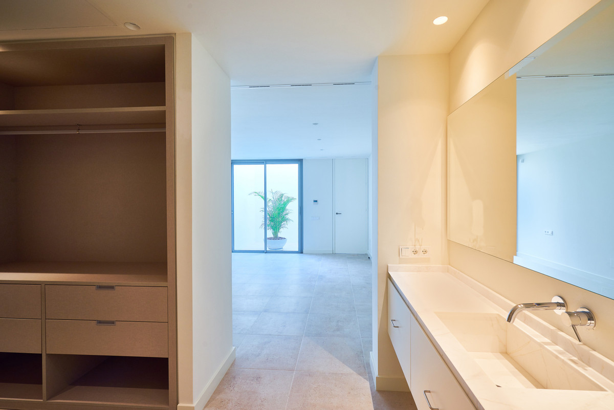House in Atalaya R3683573 26