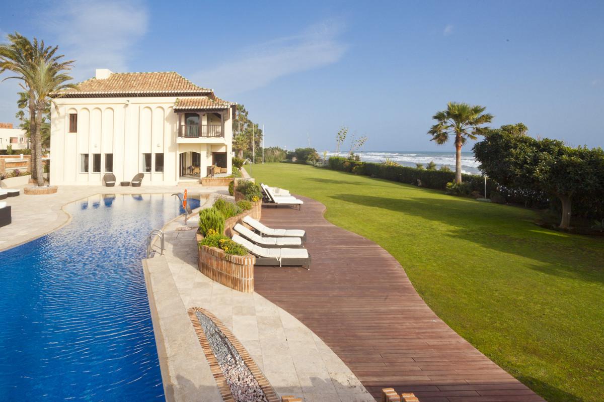 Detached Villa for sale in Las Chapas R3480199