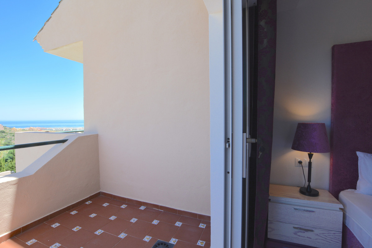 4 Bedroom Terraced Townhouse For Sale La Duquesa