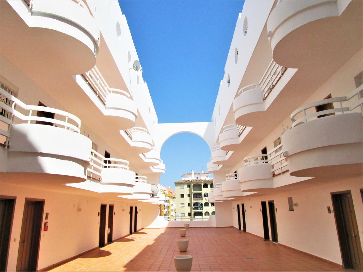 Apartamento Planta Media 1 Dormitorio(s) en Venta San Luis de Sabinillas