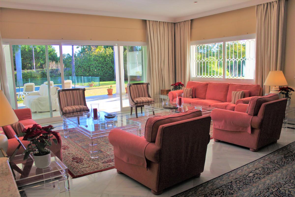 Villa - Chalet en venta en Guadalmina Baja R3367132