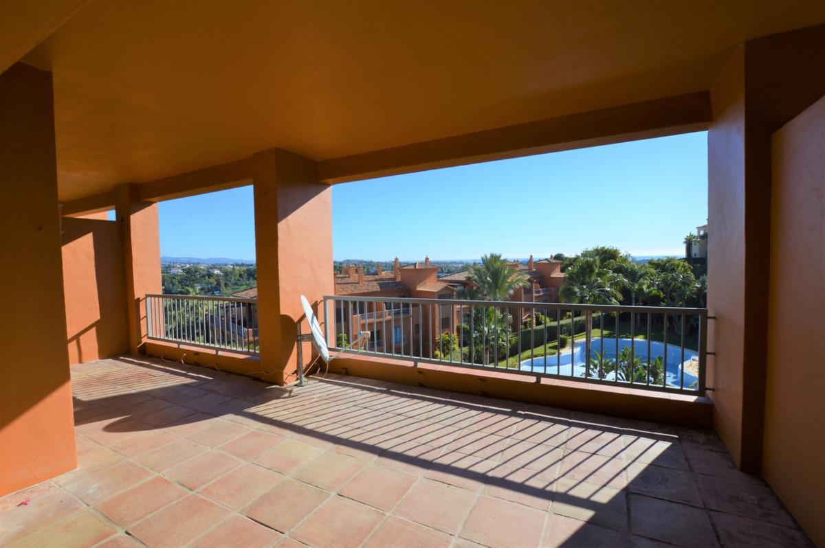 Incredible luxury apartment in the Golden Triangle area, between Benahavis, Estepona and Marbella. L,Spain
