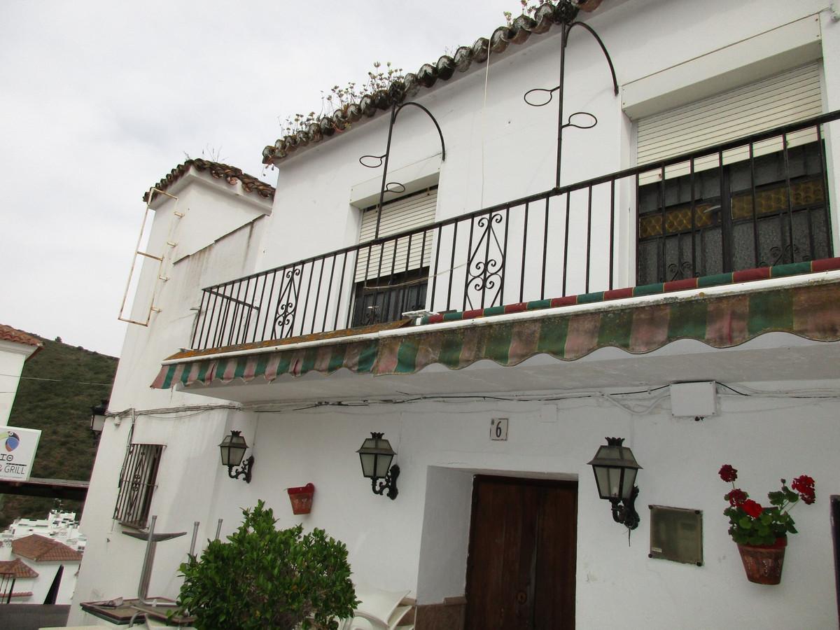 LOCATION ...LOCATION.... BENAHAVIS PUEBLO ...NEAR PUERTO BANUS....RESIDENTIAL OR BUSINESS OPPORTUNIT,Spain