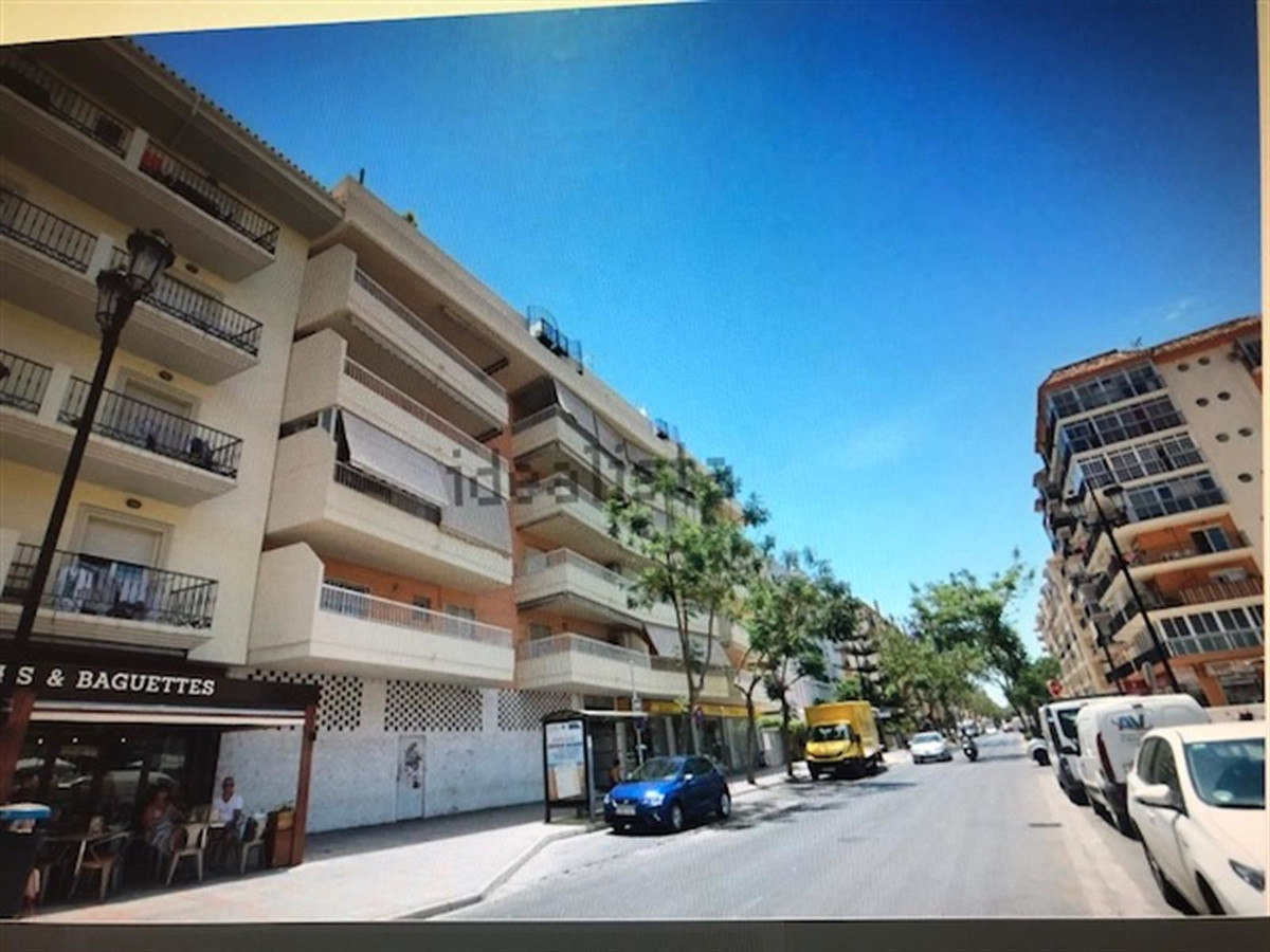 Apartamento con 3 Dormitorios en Venta Fuengirola