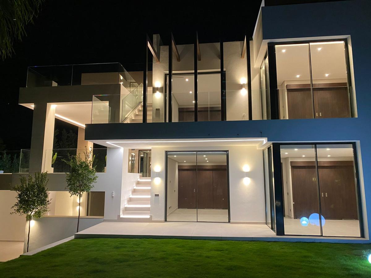 Villa Til salgs i Los Flamingos R3949387