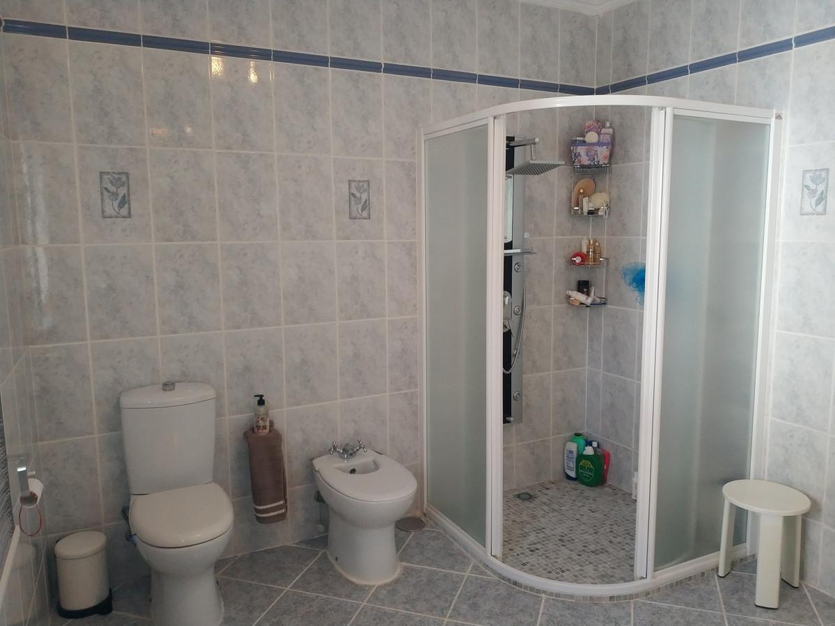 Hus in Alhaurín de la Torre R3830881 31
