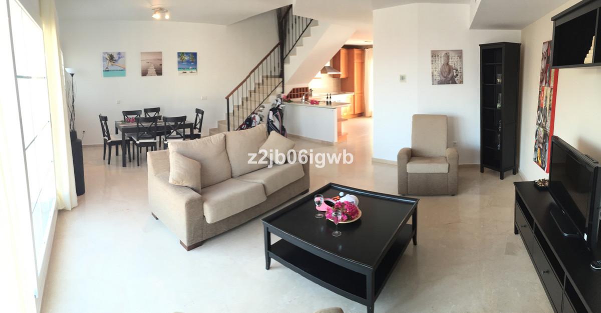 Apartment in Alhaurín de la Torre R3378196 1