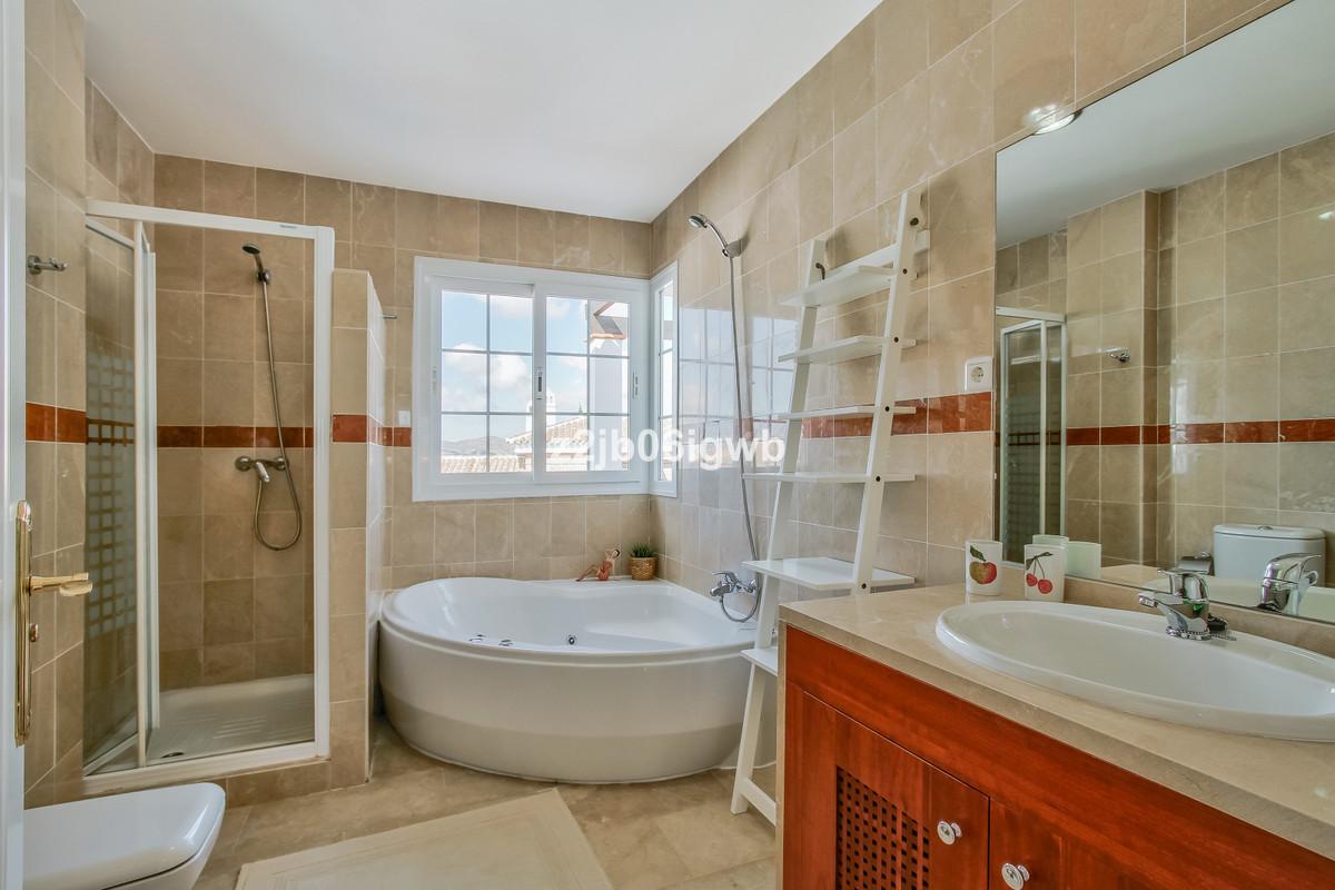 Apartment in Alhaurín de la Torre R3378196 15