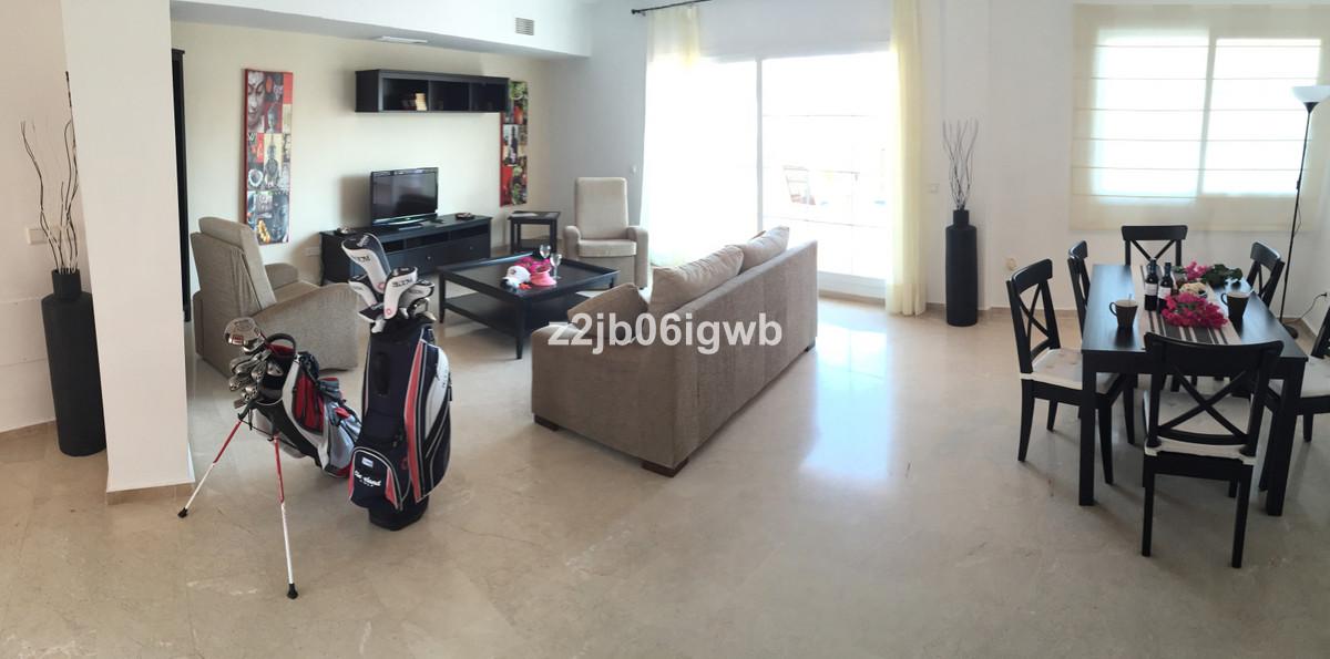 Apartment in Alhaurín de la Torre R3378196 3