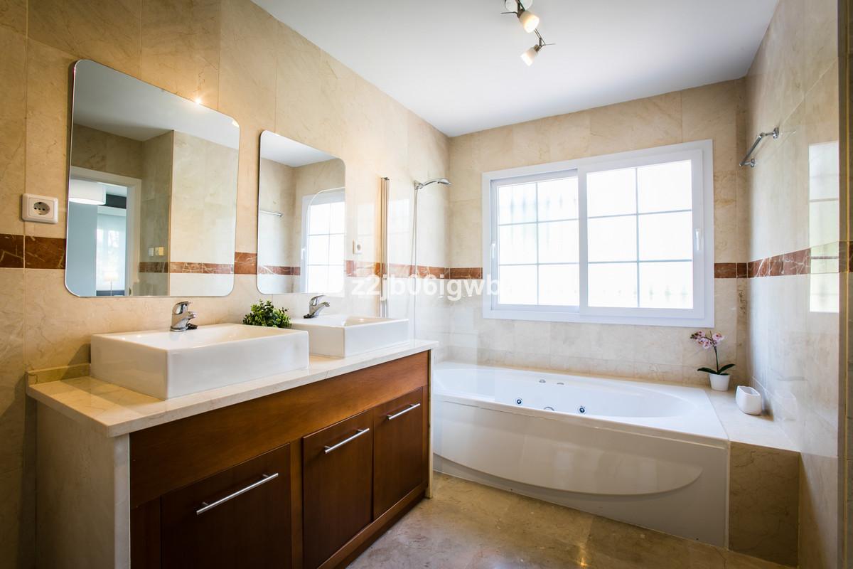 Apartment in Alhaurín de la Torre R3377881 10
