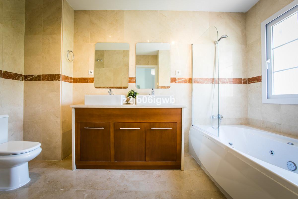 Apartment in Alhaurín de la Torre R3377881 11