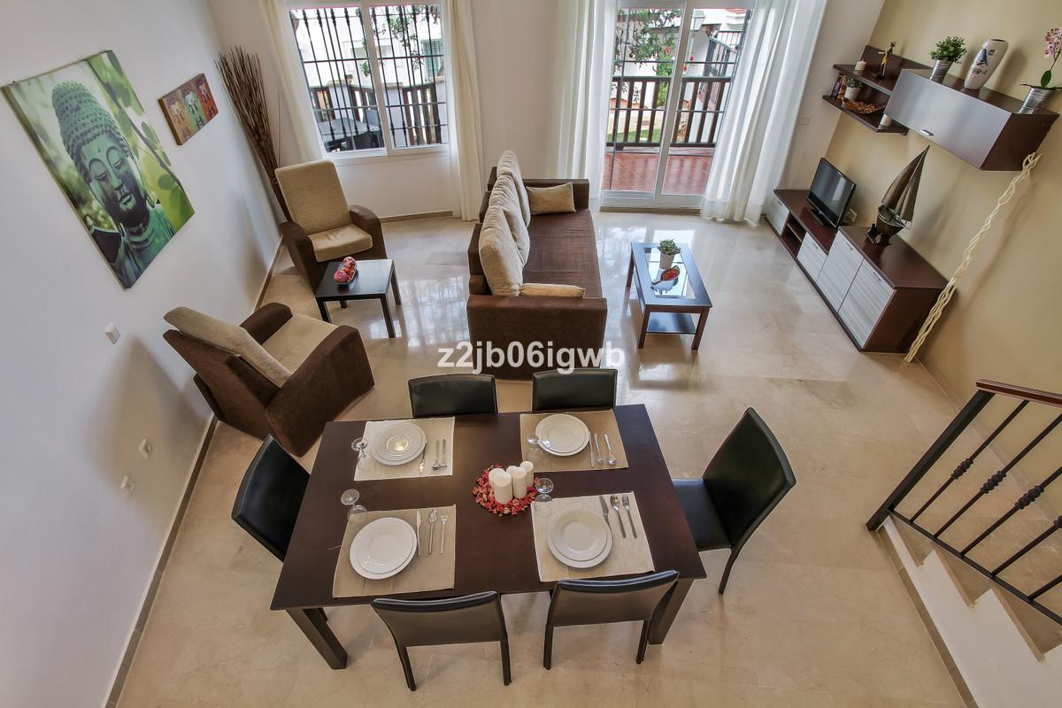 Apartment en Alhaurín de la Torre R3377881 3
