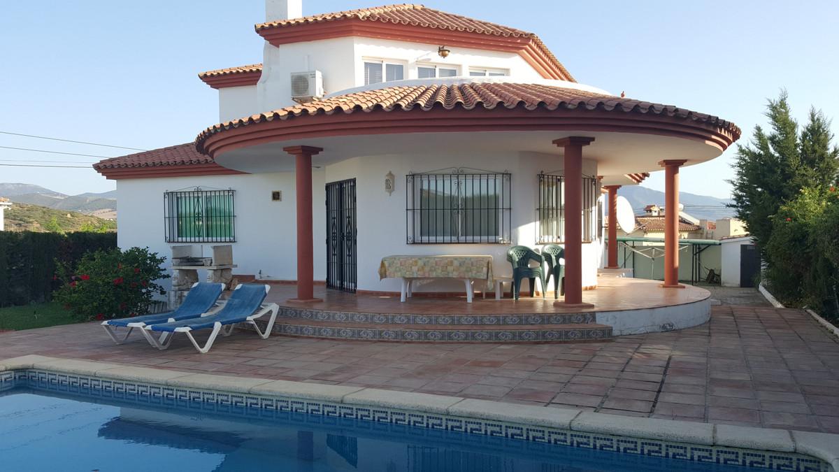 Detached Villa, located in the Urbanization Buenas Noches- Estepona. Double Storey. First Floor cons,Spain