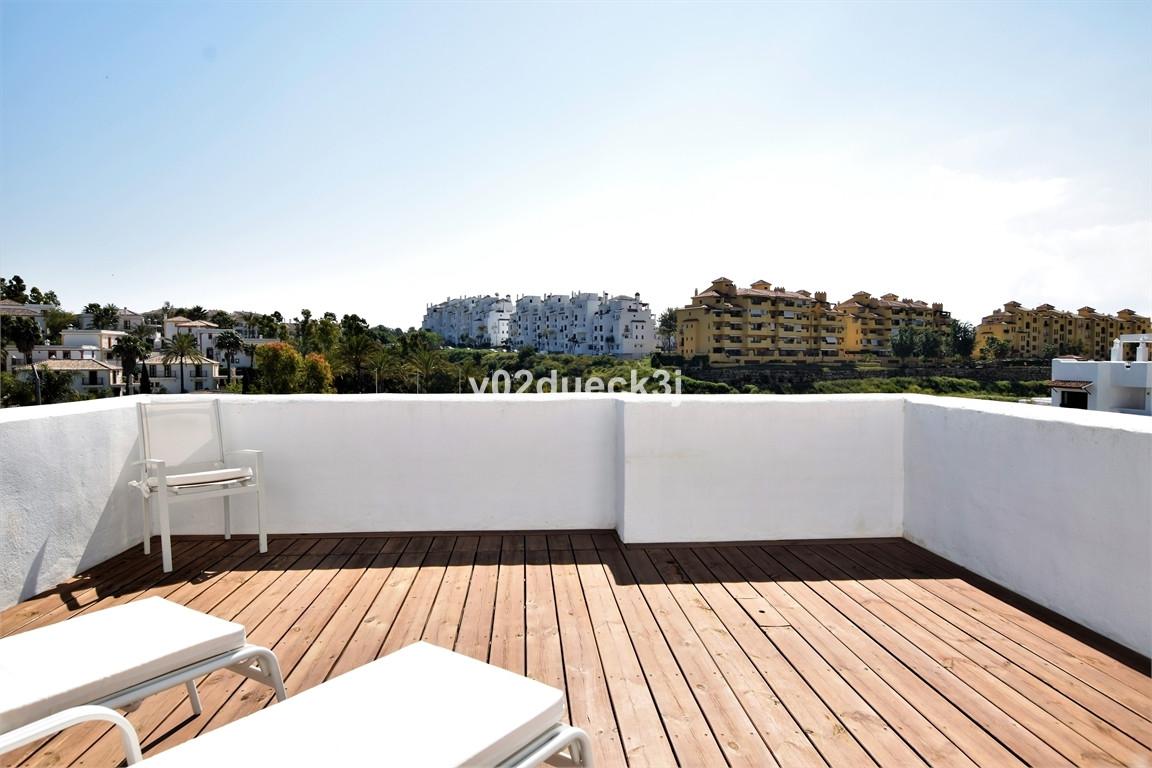 R2929847 Apartment Estepona, Málaga, Costa del Sol