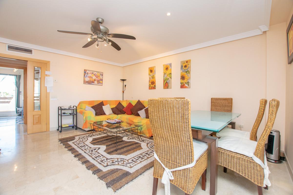 Apartamento con 3 Dormitorios en Venta Selwo