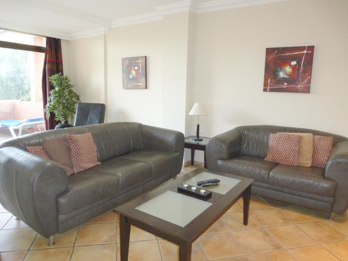 Appartement, Mi-étage  en vente    à New Golden Mile