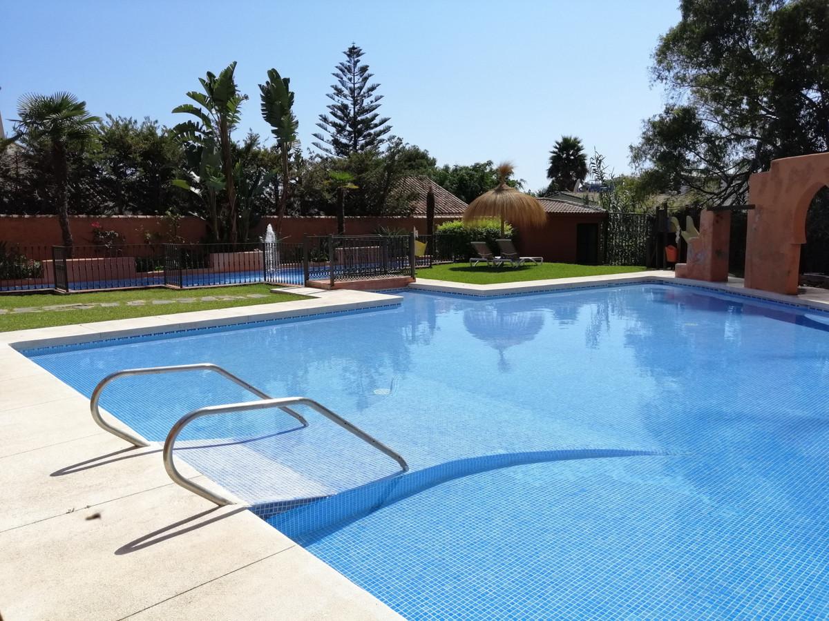 BEACHSIDE!  11 individual Apartment Suites in Hotel complex, El Paraiso Beach Side, New Golden Mile.Spain